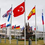 Макрон назвал НАТО «организацией, которой больше нет»