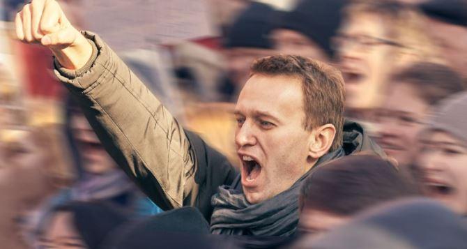 Навальный возвращается, но не в специальном бронепоезде…