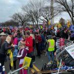 Беспорядки у Капитолия: сторонники Трампа прорвались в конгресс, произошла стрельба - ОБНОВЛЕНО