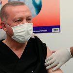 Президента Турции привили второй дозой вакцины от коронавируса