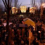 Протестующие в Ереване блокируют центральный проспект