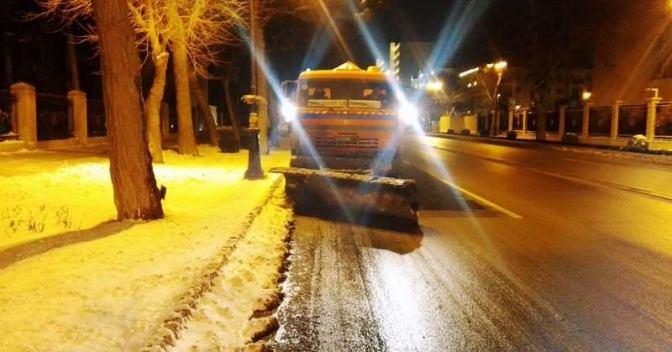 Снегоуборка в Баку продолжалась и ночью