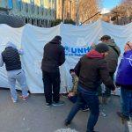 Активисты в Тбилиси разбили около восьми палаток у здания парламента и собираются там провести ночь
