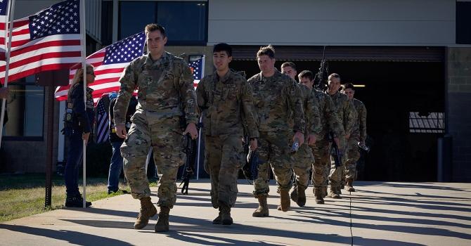 Пентагон сообщил о попытках радикалов привлечь в свои ряды военных