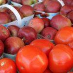 Снимаются ограничения на ввоз в Россию яблок и томатов для еще ряда азербайджанских предприятий
