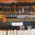 Таможенники пресекли ввоз в Азербайджан 350 единиц холодного оружия - ВИДЕО