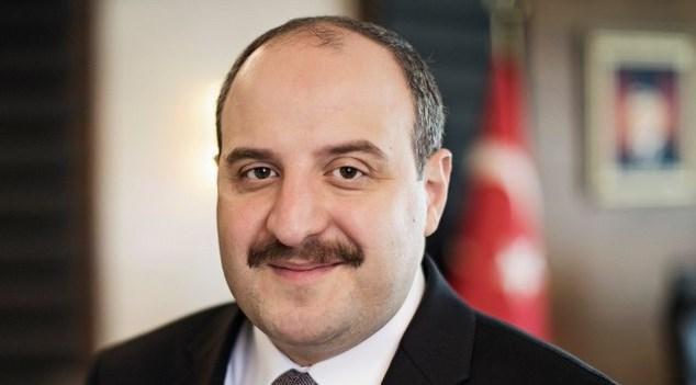 Турецкий министр стал добровольцем на испытаниях национальной вакцины