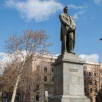 «Россия- зло» - написали в Тбилиси на памятнике Грибоедову