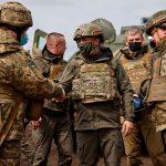 Президент Украины посетил позиции украинских войск на Донбассе