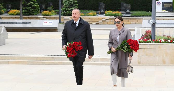 Ильхам Алиев и Мехрибан Алиева возложили цветы к могиле Ази Асланова