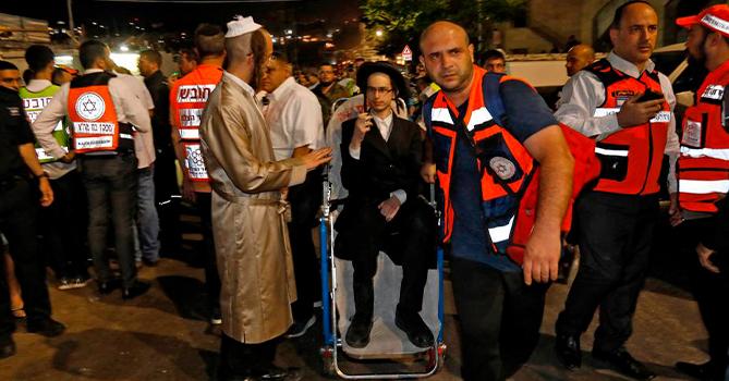 В Израиле при обрушении трибуны в синагоге пострадали десятки людей