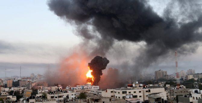 Число жертв ударов Израиля по сектору Газа увеличилось до 67